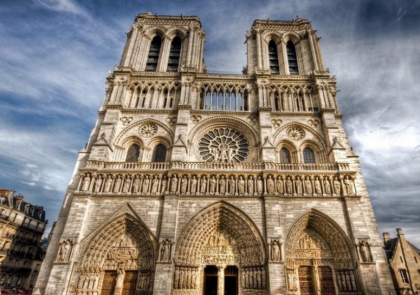 فیلم آتشسوزی در کلیسای نوتردام پاریس